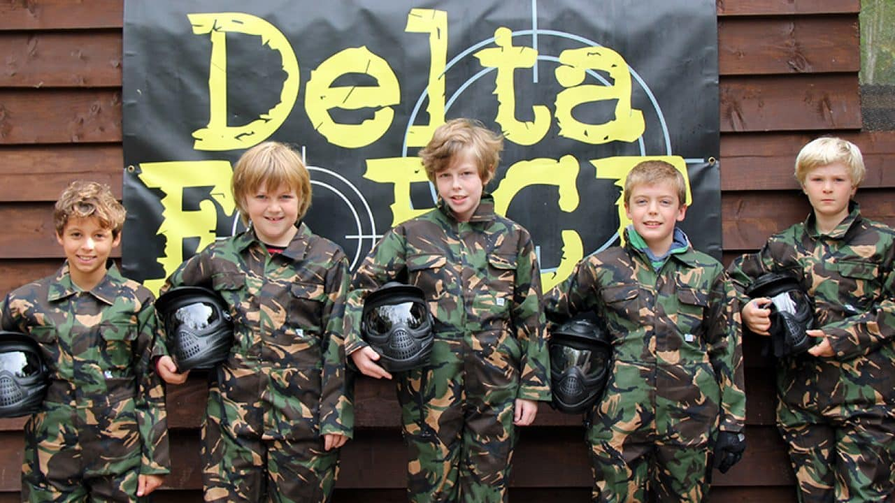mini paintball players group photo