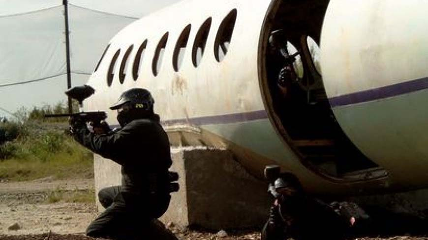 Delta Force Players Storm Out Of Plane At Jet Hijack