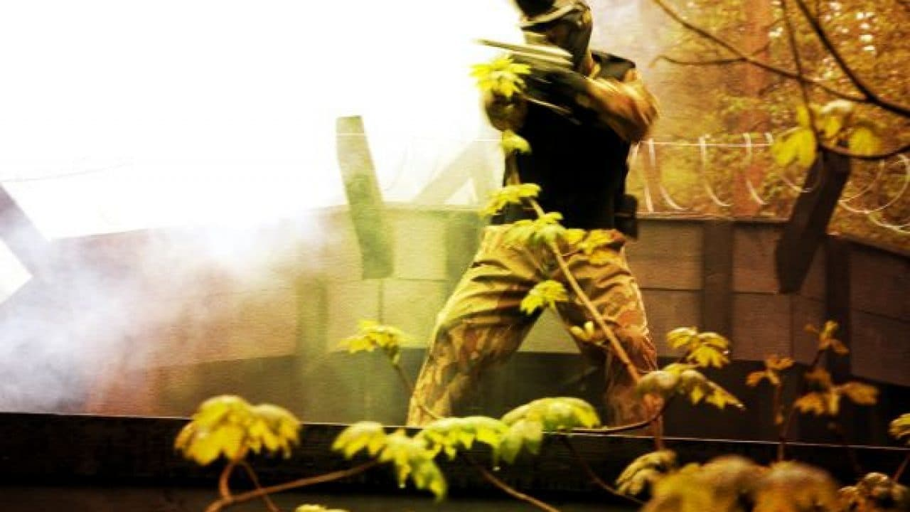 Delta Force player stands amidst smoke before Apocalypse Bunker