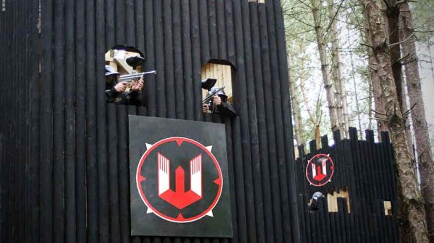 Delta Force Players At Top Of Castle Wallenberg