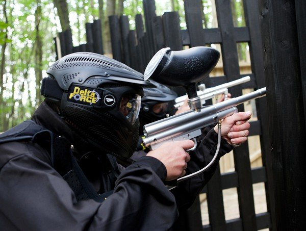 Delta Force Paintball Player With Gun At Command Post Gate