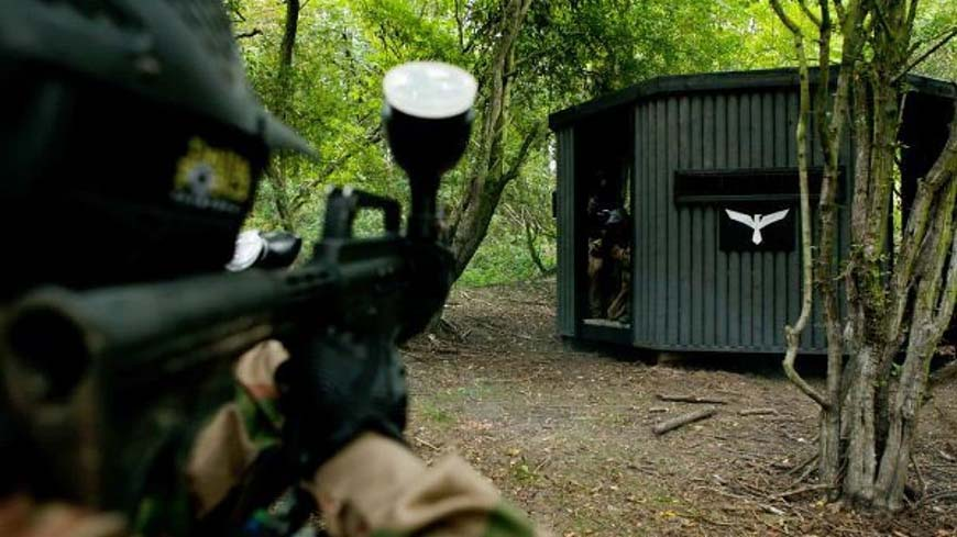 Delta Force Paintball Player Fires At Turret