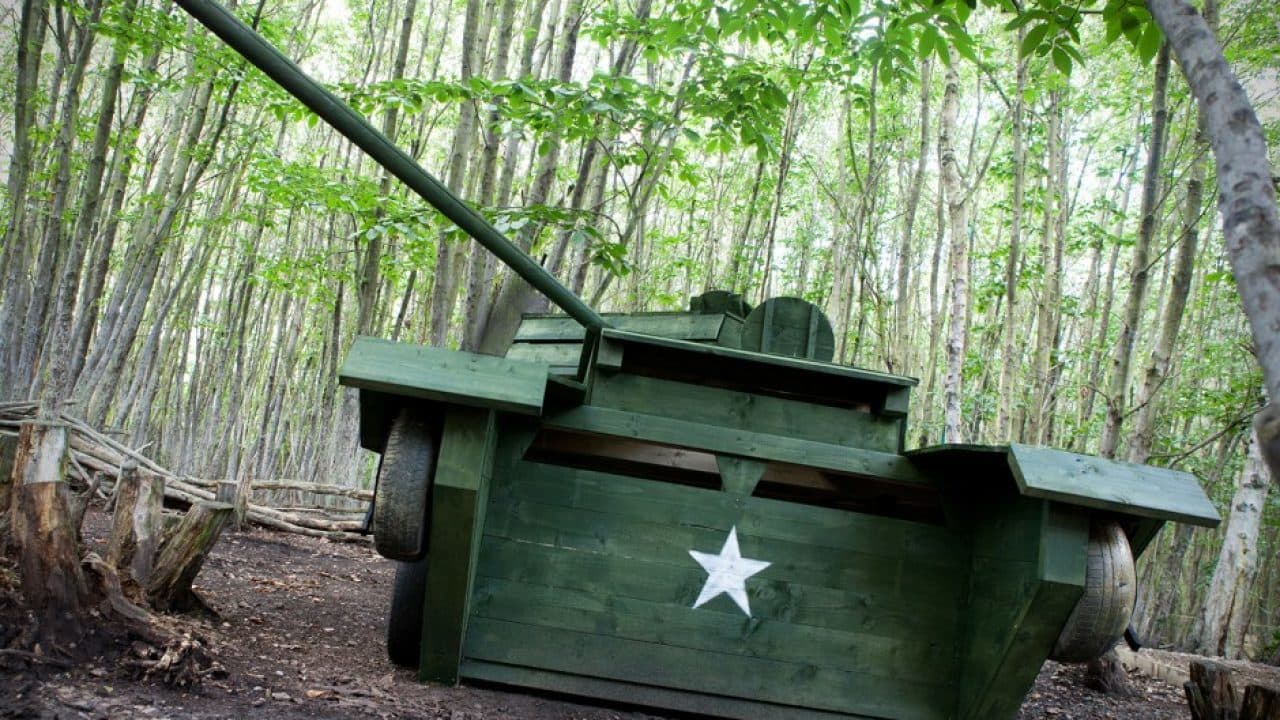 Star On Tank Enemy At The Gates Game Zone