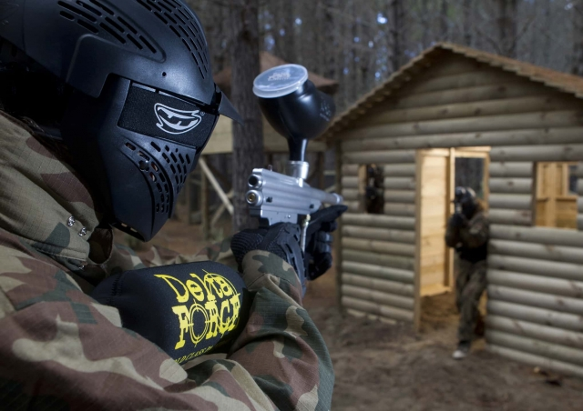 Delta Force Player In Kit Aiming At Player
