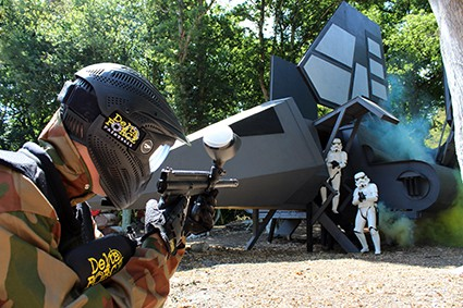 Player shoots Stormtroopers dismounting Imperial shuttle