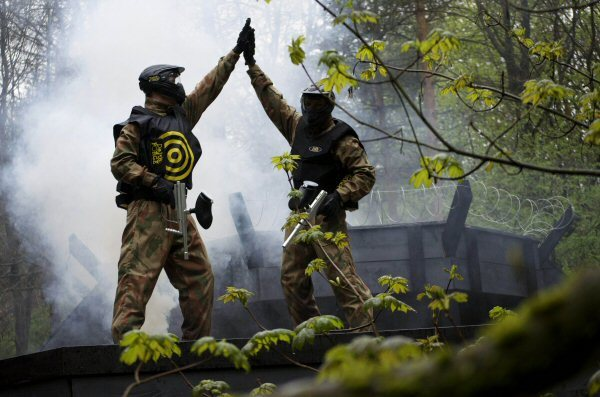 Delta Force Paintball Players In Kit High Five