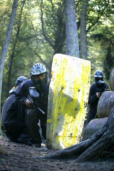 Manchester paintballing heroes riot shield action!