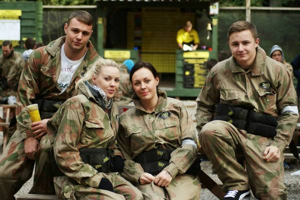 Couples day out paintballing