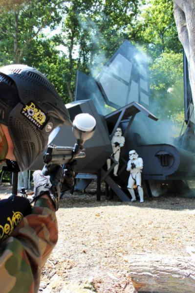 Player fires at Stormtroopers disembarking Imperial shuttle