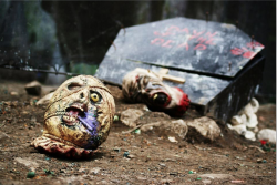 Zombie heads litter the Crypt battlefield