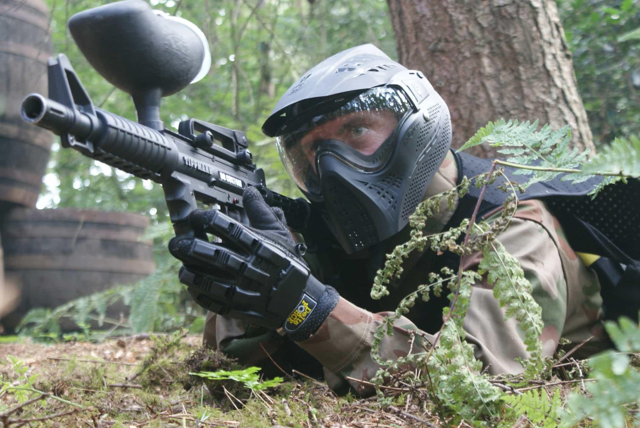 paintball gun enemy game zone