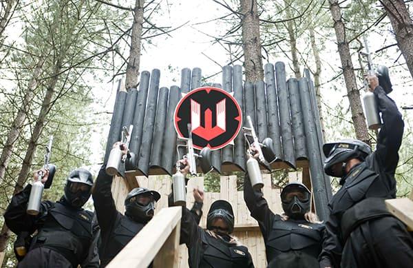 players raise paintball guns castle wallenberg